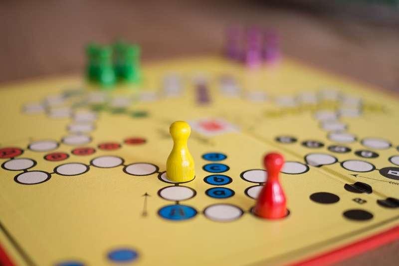 Jednostavne društvene igre