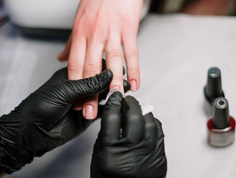 Manikura noktiju