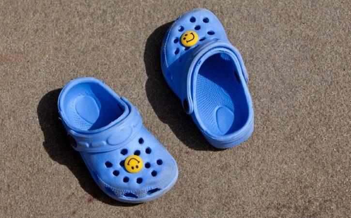 Sandale za bebe za stopalo u razvoju